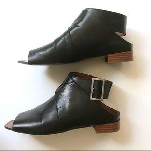 Shoes - Zara Leather Gladiator Sandals